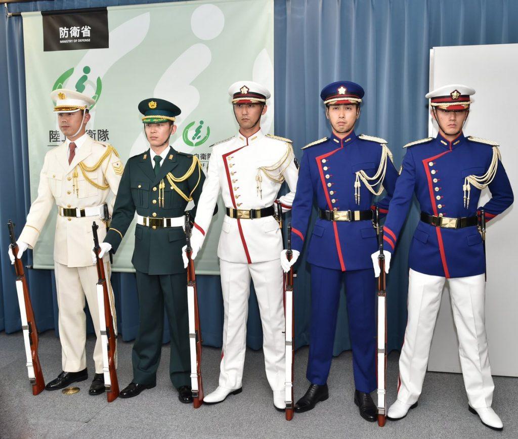 自衛隊の制服は戦闘員である自衛官、それ以外の自衛隊員 ...